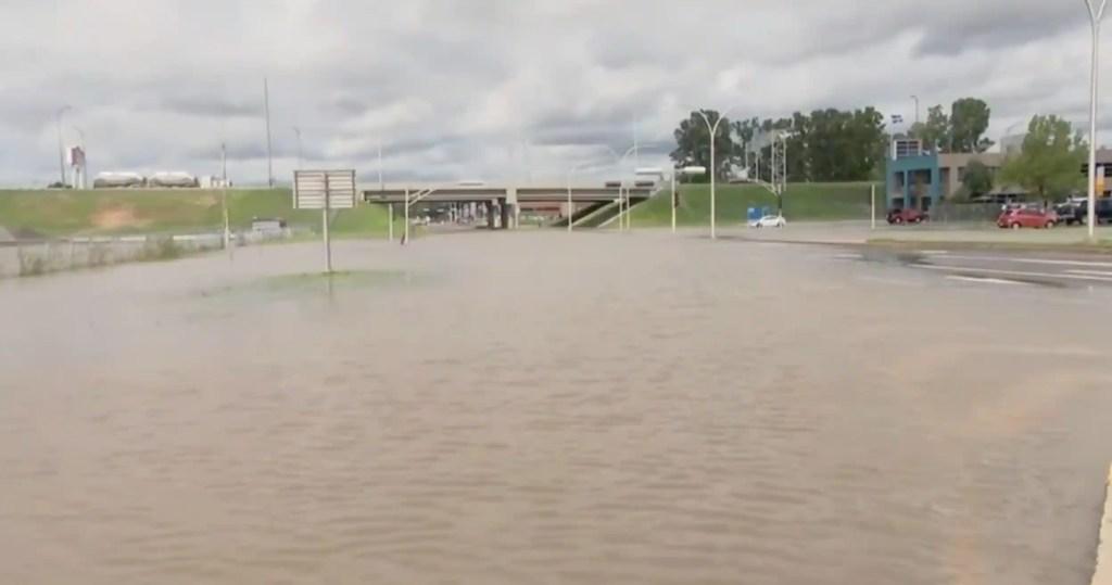 Trois-Rivières: une importante artère inondée après le passage de la tempête