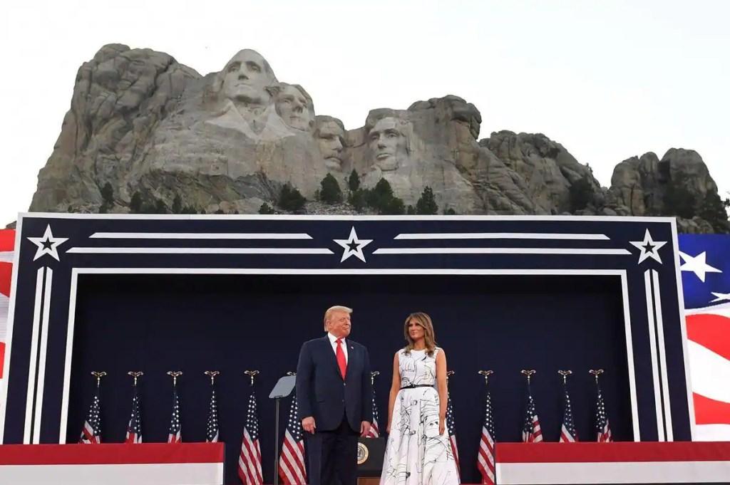 Trump vante une Amérique «forte» et «fière», mais reste discret sur la COVID-19