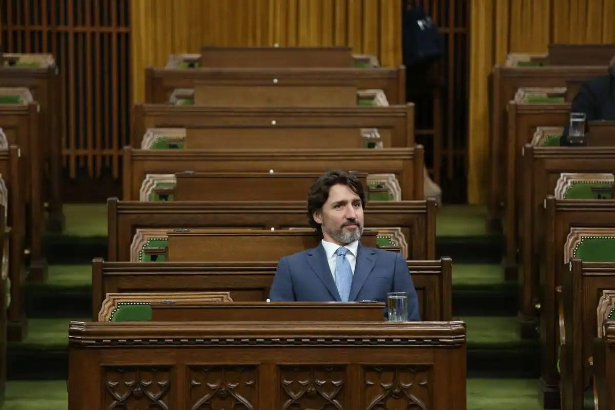 Période des questions à Ottawa: «On appelle ça un faux parlement»