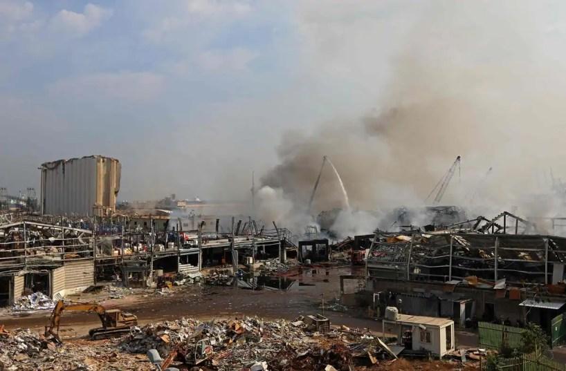 L'incendie au port de Beyrouth éteint, l'aide humanitaire impactée