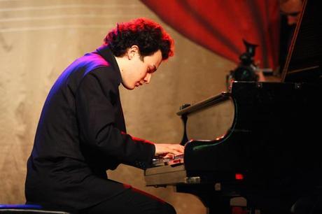 Riccardo Vecellio Segate al pianoforte_