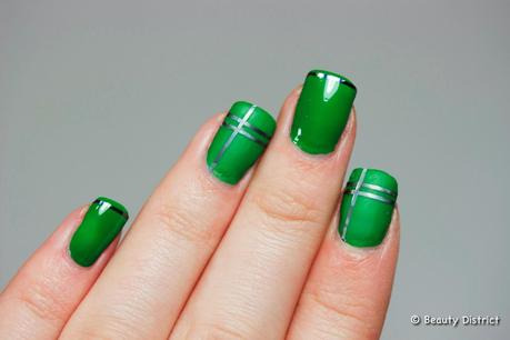 Essence Nail Art Sticker Holo Stripes 1