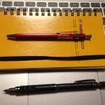 DELFONICSの木軸ボールペンはなかなか書き心地が良いです。