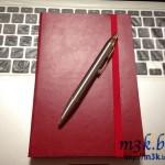 枚数が多いノートの方が自由に使えます。厚い糸綴じノートを自由に使う。