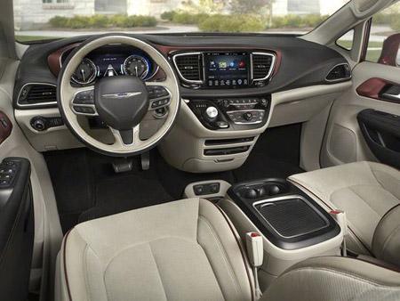 Chrysler Pacifica 2017 - interior