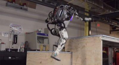 2足歩行ロボット「Atlas」が、とんでもない進化!運動能力「半端ね~」