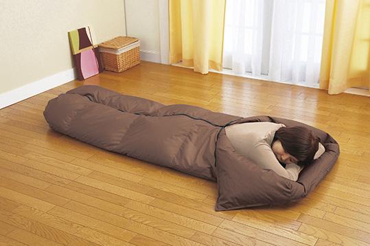 【豆知識】寝袋を布団代わりに使ってみると!良い事が満載…