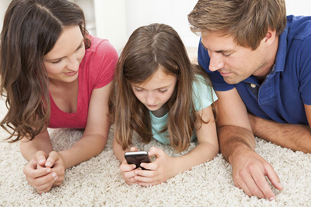 【お悩み】 子供にスマホを持たせる時期!  安全に使うためには、なにが必要?