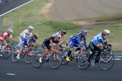 もうひとつの8耐?「筑波8耐」筑波の自転車8時間耐久レース!
