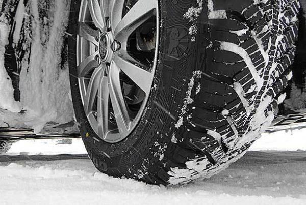 オールシーズンタイヤ!夏、冬のタイヤ交換の手間なしで驚きの性能、しかも経済的…