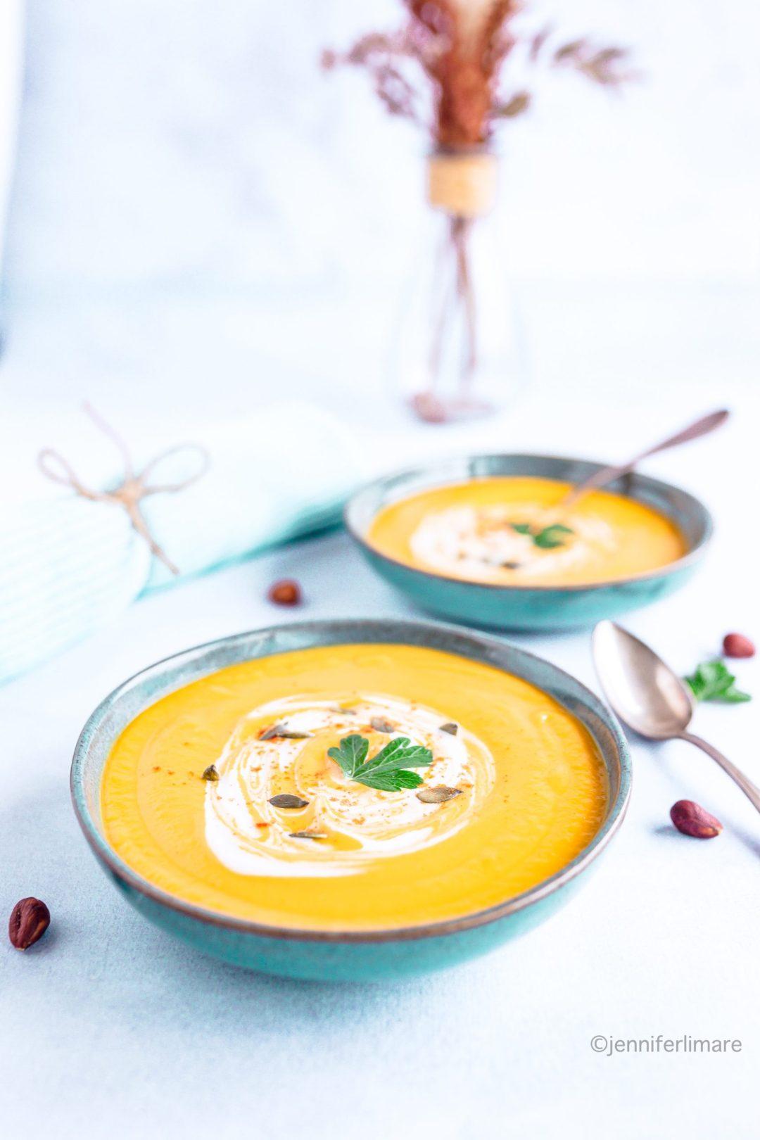 Soupe velouté de patate douce carottes et lait de coco 3