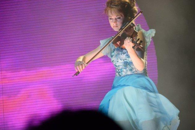 La concentration de Linda Stirling en concert