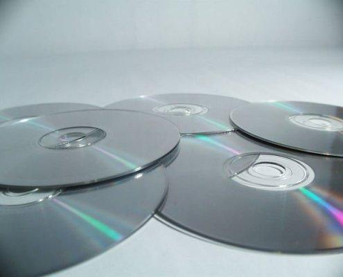 la vente des albums et singles connait un changement notoire à compter de cet été