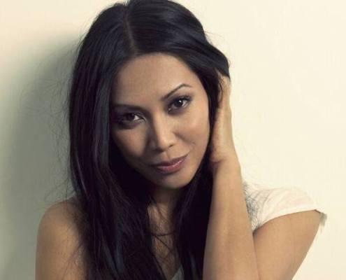 beau portrait de la chanteuse Anggun
