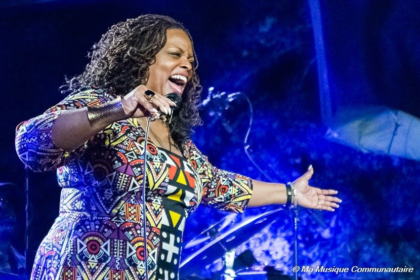 La diva Dianne Reeves en concert au Gres du Jazz