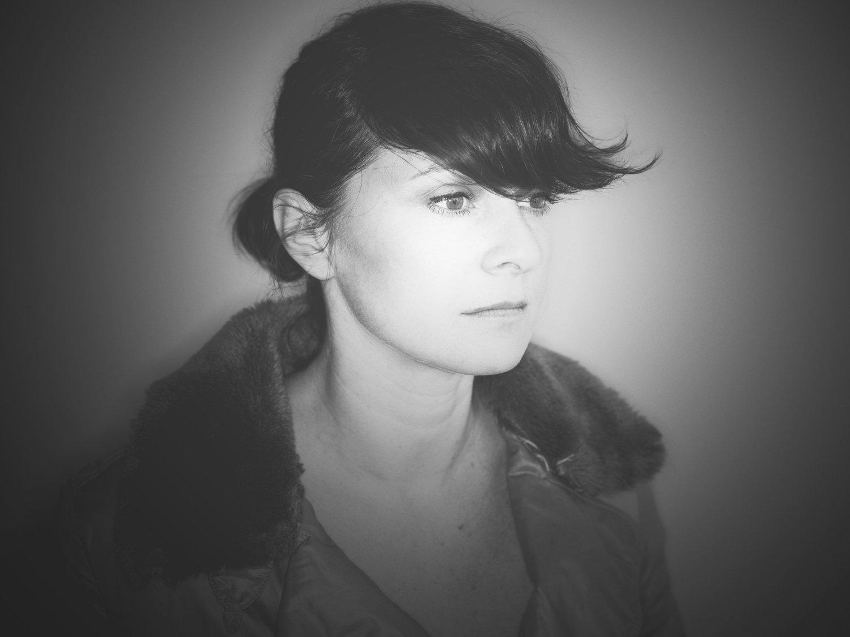 portrait noir rt blanc de Mélanie Pain