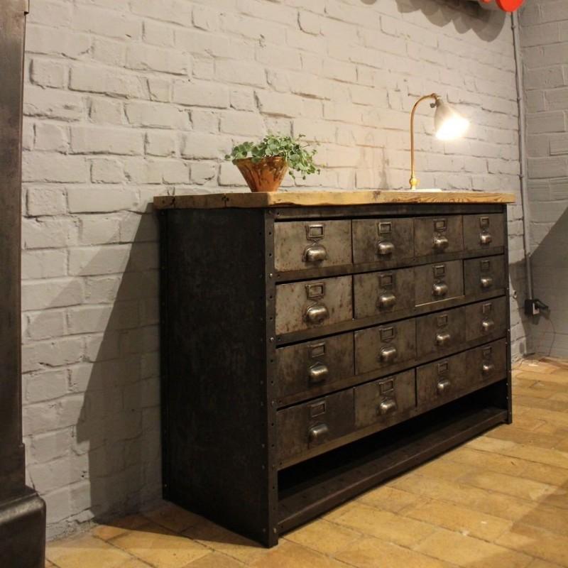 mobilier industriel ancien meuble