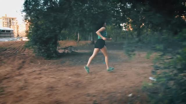 v-running-girl-_dvd.original