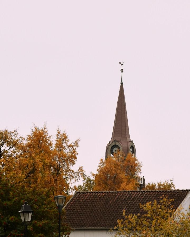 maaritse_syksyinen_kirkko