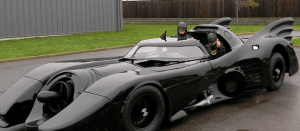 http://www.dailymail.co.uk/news/article-2506234/Road-legal-Batmobile-working-flamethower-sale.html