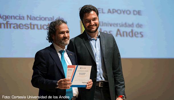 Miguel Ángel Botero G., gerente general de MAB Ingeniería de Valor y Eduardo Behrentz V., Vicerrector desarrollo y egresados de la Universidad de los Andes.