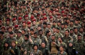 במערות ובשדות: הכורדים צדים תאי דאעש בסוריה אחרי קריסת החליפות