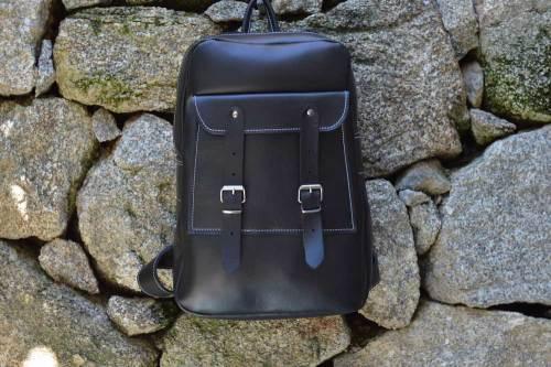 mochila, cuero, hecha a mano, artesania, mochila de cuero, mochila con hebillas, unisex