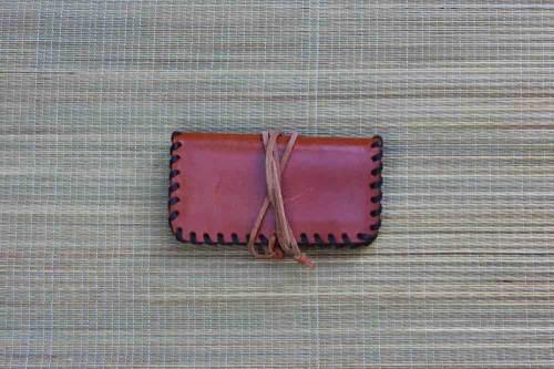 bolsa para tabaco de liar, tabaco de liar, tabaquera, guardar tabaco de liar, guardar papelillos, cuero, tabaquera de cuero, artesania, hecho a mano