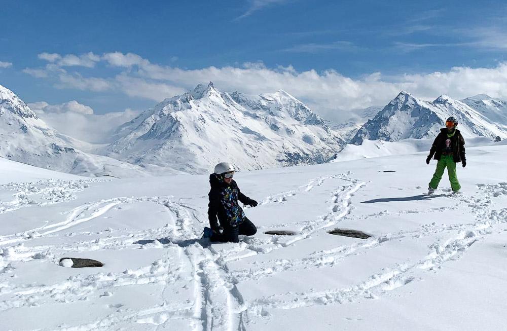 Skier au printemps, avantages et inconvénients
