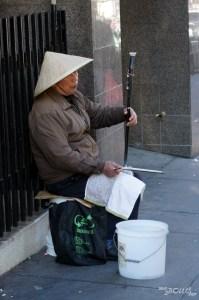 Un saltimbanque au détour d'erhu à Chinatown