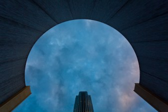 Keyhole-at-the-waterwall-Mabry-Campbell