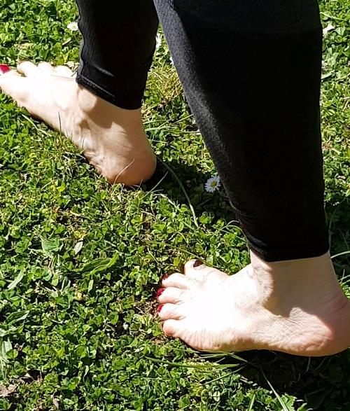 Conseils naturopathie Marcher pieds nus