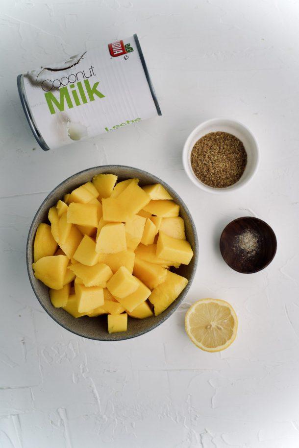 Mousse de mango y coco vegano