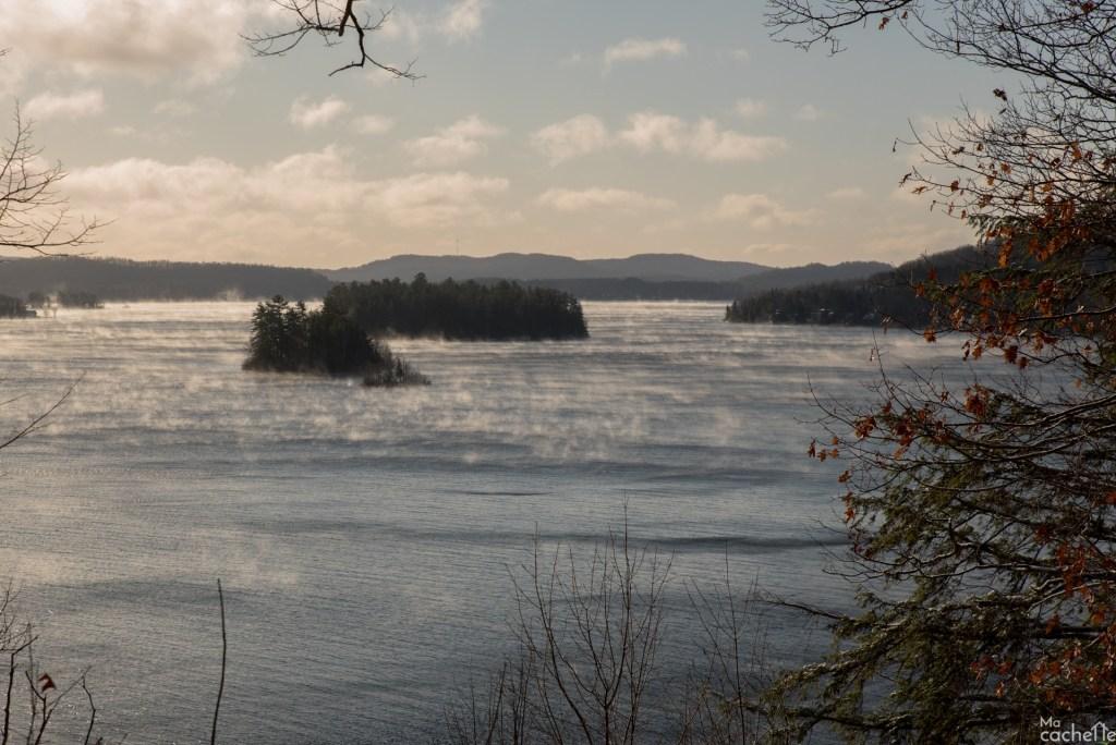 Domaine forêt d'eau - Chalet 16 personnes à louer au lac Simon en Outaouais - Vue splendide sur le lac Simon en Outaouais