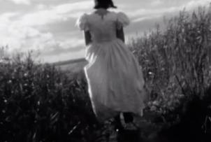 Tide. Videowork, 2013