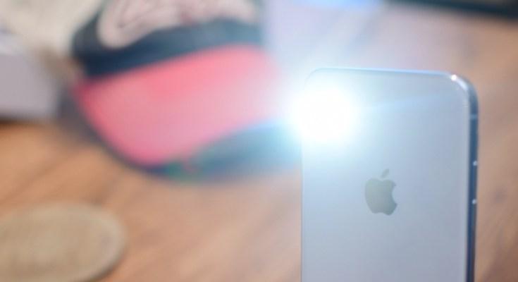 cara guna lampu flash light iphone