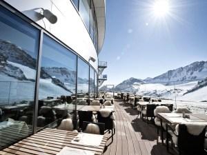 Sonnenterrasse-Haubenrestaurant-Schaufelspitz_ktGalleryLightboxLandscape