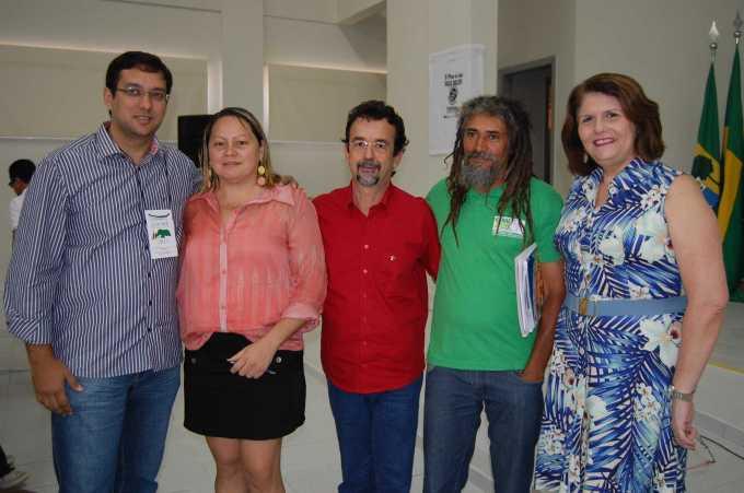 Secretário Rodrigo Aladim, assessora Ana Santos, deputado Mineiro, Cláudio Gia e Márcia França