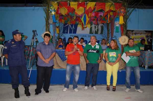 Prefeito Kerginaldo Pinto abre festejos de São Pedro em Macau