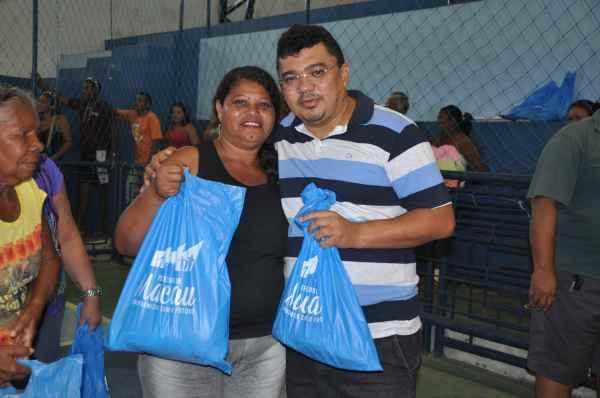 Prefeito Kerginaldo Pinto acompanhou entrega dos kits