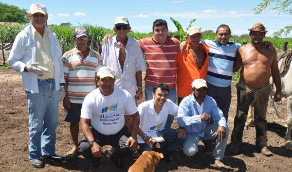 Secretário da agricultura e pesca, Rodrigo Cruz acompanhou equipe de vacinadores