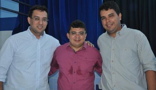 Secretário de educação, Rodrigo Aladim, prefeito Kerginaldo Pinto e Hudson cunha, diretor acadêmico do IFRN/Campus Macau