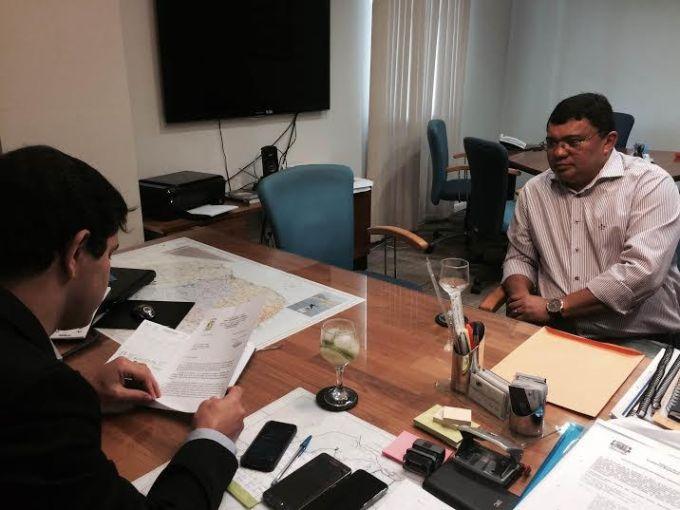Marcelo Toscano analisa documento e promete resposta ao prefeito até esta terça-feira, dia 25