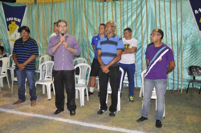 Ao lado do secretário de desportos Dedé de Collor, prefeito Einstein Barbosa faz abertura da competição