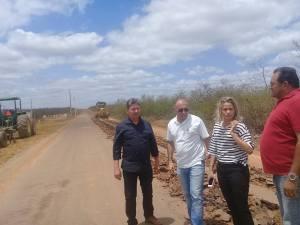 População da Cohab agradece ação da prefeitura na recuperação da estrada de acesso à BR 406