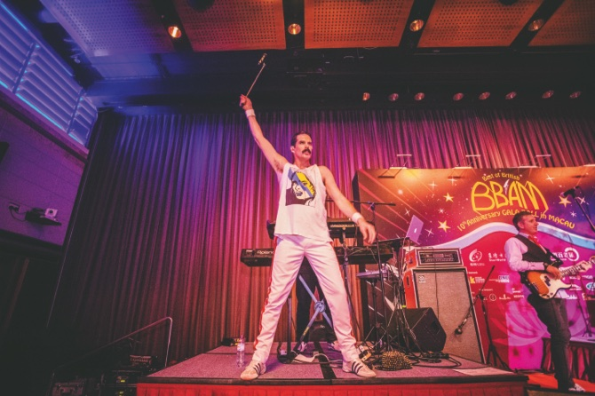 "Front man John Blunt of ""The Killer Queen Experience"" performs as a tribute to Freddie Mercury"