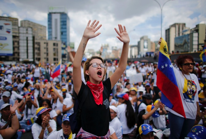 Thousands of Opposition Women March in Venezuela against Repression