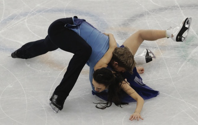 Shibutani's win bronze medal in ice dancing
