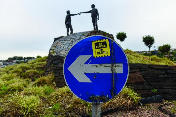 """Résultat de recherche d'images pour """"pictures of no deal border ireland"""""""