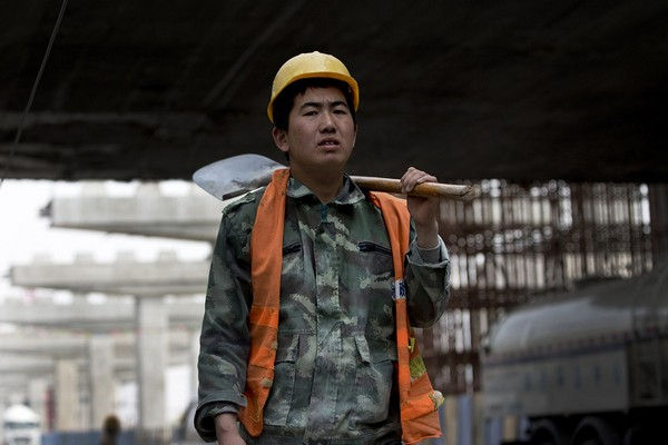 Macau's imported workers rise 9 percent to over 182,000